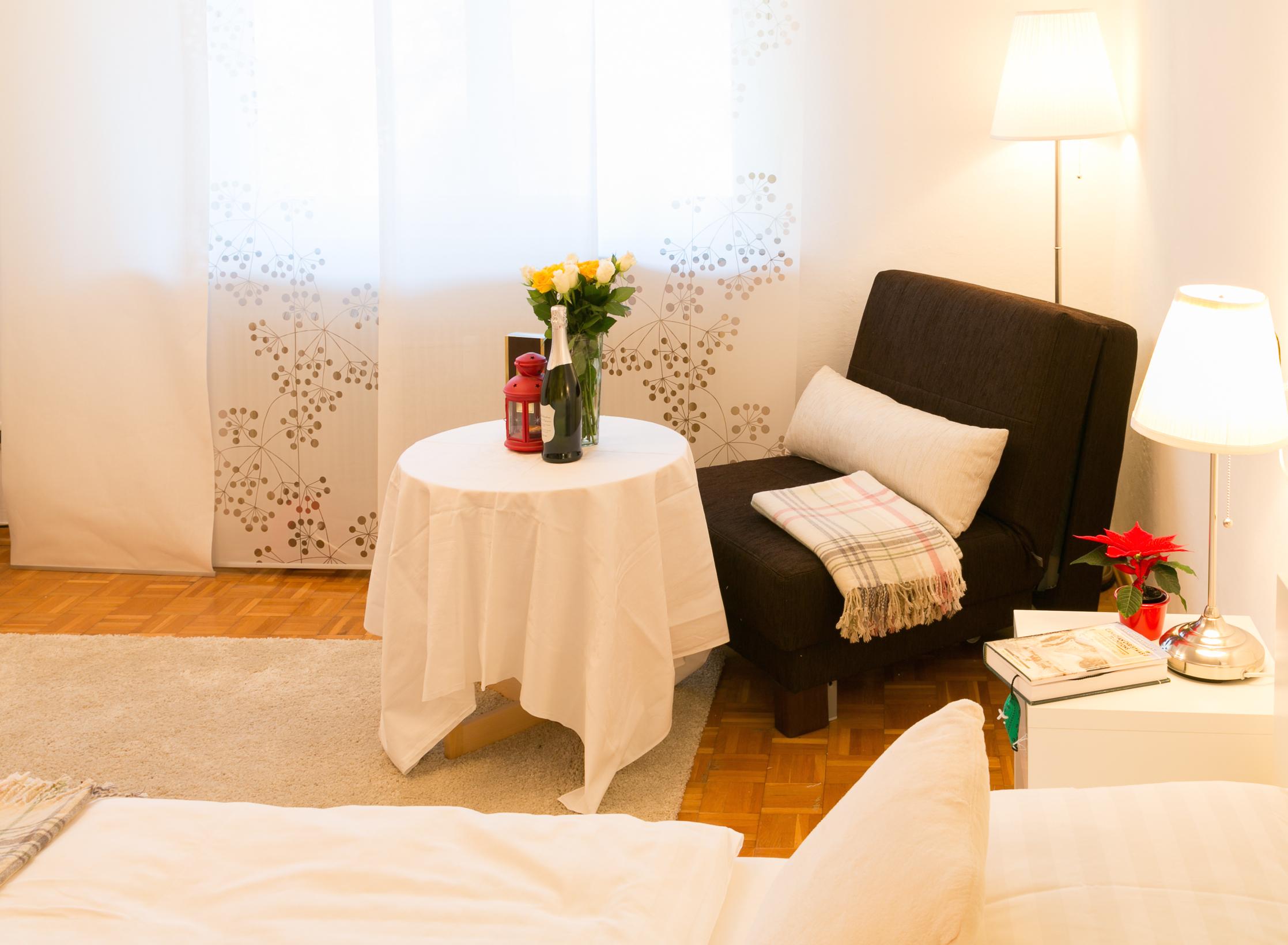 Wohnbereich mit Sofa-Stuhl